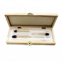Набор ареометров и термометра в деревянном футляре