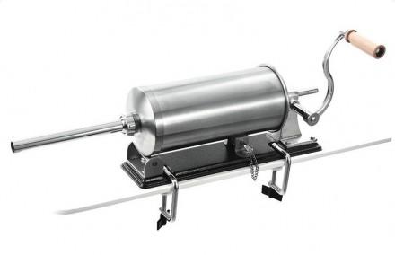Шприц колбасный - горизонтальный на 3 кг. с мет. насадками